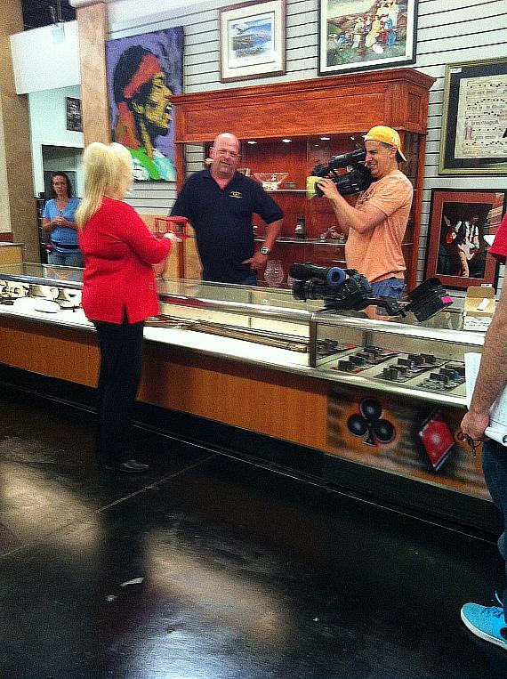 Gay Blackstone and Murray SawChuck on set of Pawn Stars