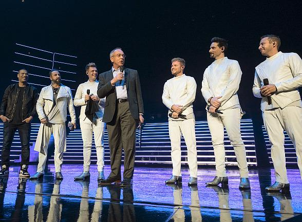 """Backstreet Boys Presented With Keys to Las Vegas' Iconic Strip; April 10 Declared as """"Backstreet Boys Day"""" by Clark County Commissioner Jim Gibson"""