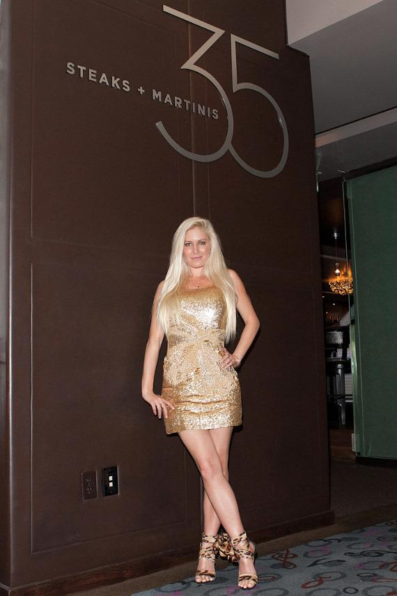 Heidi Montag dines at 35 Steaks + Martinis in Hard Rock Hotel