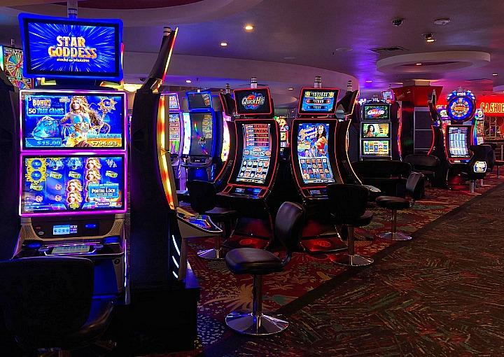 "Summer Is Heating up at the Plaza Hotel & Casino With ""Hot Seat"" Slot Machine Drawing and ""Sizzling Summer Bingo Match Play"""