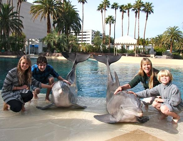Irwin Family and friend at the Secret Garden and Dolphin Habitat at The Mirage