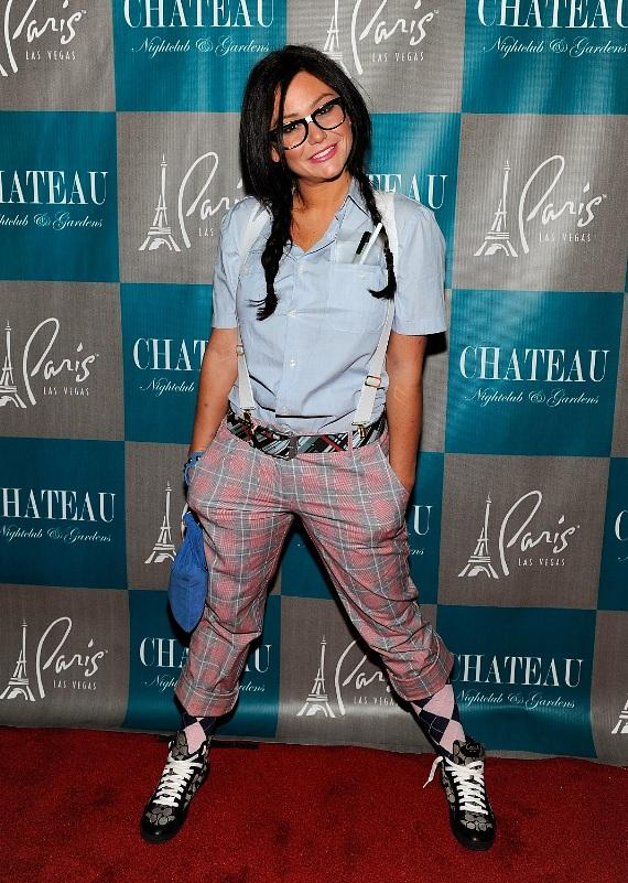 Jenni 'JWoww' Farley dresses as a nerd for Halloween on the red carpet at Chateau Nightclub