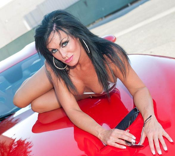 """Jennifer Romas to Star in """"Sexxy"""" Topless Review at Westgate Las Vegas Resort & Casino"""