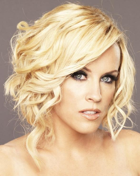 Jenny McCarthy to Host Official