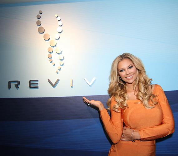 Jessa Hinton at REVIV