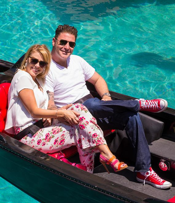 Jodie Sweetin and Justin Hodak enjoy romantic gondola ride at The Venetian Las Vegas