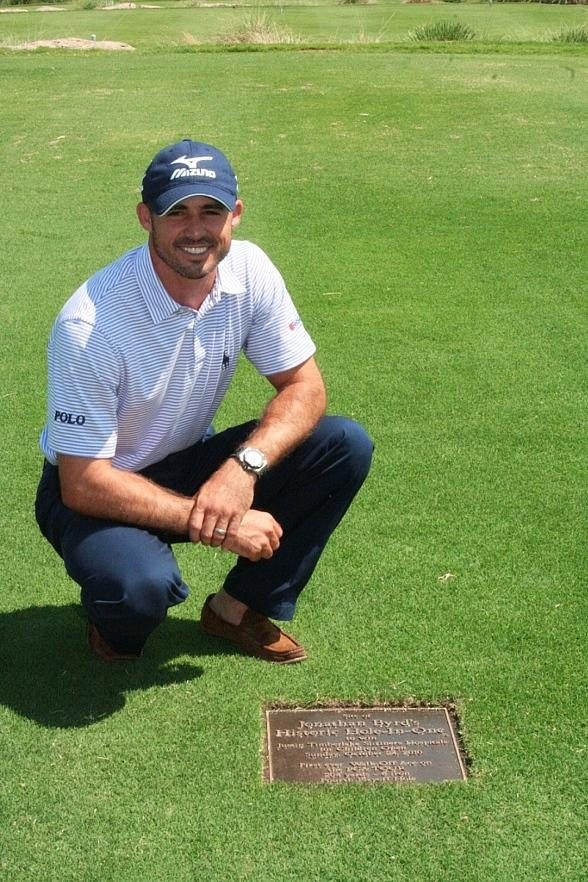 Jonathan Byrd unveils commemorative plaque at TPC Summerlin