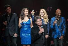 The Cocktail Cabaret Celebrates 100 Shows at Caesars Palace Cleopatra's Barge