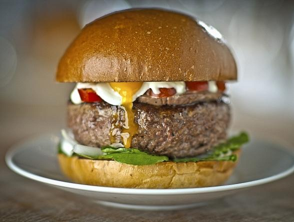 Poshburger Bistro to Honor Dads with Father's Day Special
