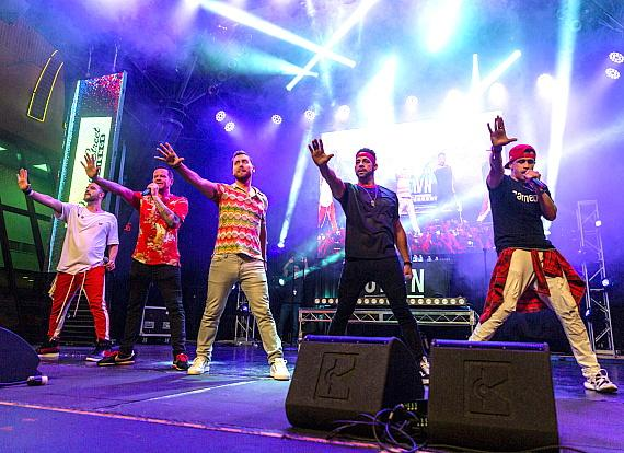 Lance Bass joins O-Town for an unforgettable Downtown Rocks performance at Fremont Street Experience