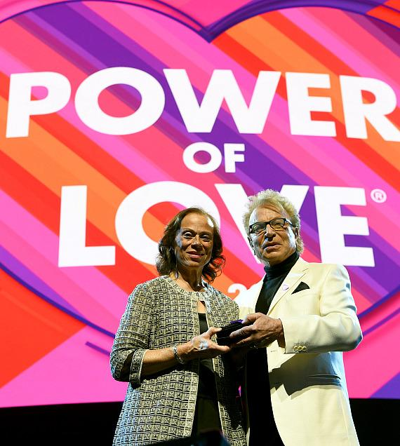 Superstars Lionel Richie, Shania Twain, Snoop Dogg and More Appear at Keep Memory Alive's 23rd Annual Power of Love Gala