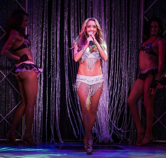 Lorena Peril and FANTASY cast in opening number