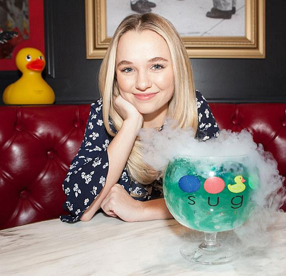 "Madison Iseman from ""Jumanji: Welcome to the Jungle"" Visits Sugar Factory at Fashion Show in Las Vegas"
