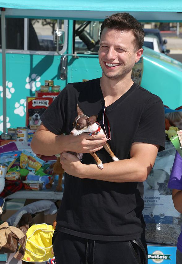 Magician Mat Franco Celebrates Second Anniversary on the Strip with Month-Long Pet Supply Drive Benefiting the Animal Foundation July 29 - Sept. 3