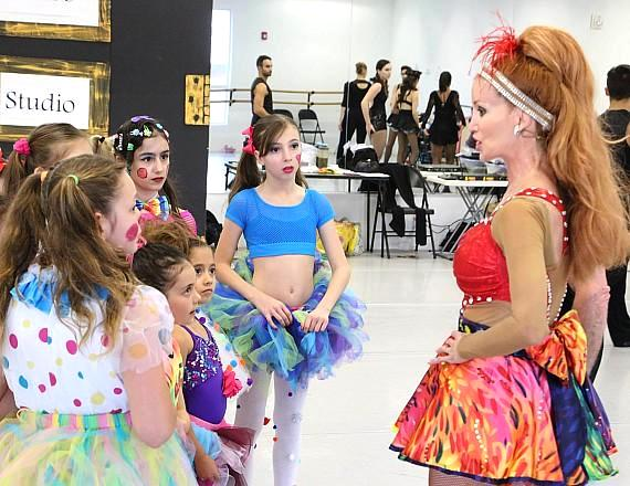 Melinda Jackson of M&M American Dance Theatre Works Nonprofit mentoring children