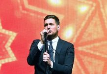 Michael Bublé Gives Dazzling Performance at Keep Memory Alive's 22nd Annual Power of Love Gala
