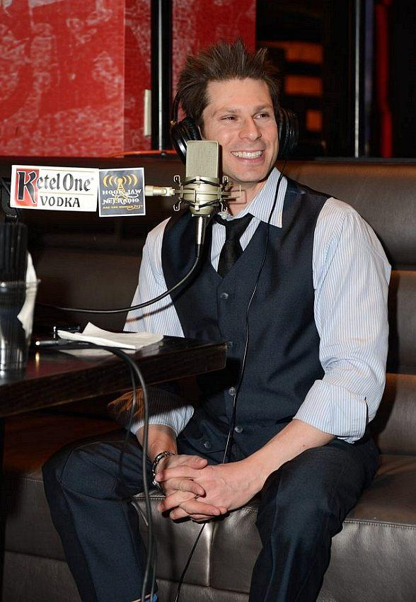 Magician Mike Hammer goes 'On Air with Robert & CC' at PBR Rock Bar at Planet Hollywood