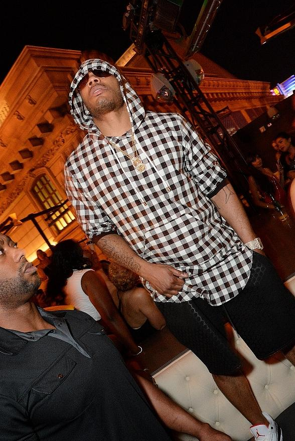 Nelly Performs at Chateau Nightclub & Rooftop in Paris Las Vegas
