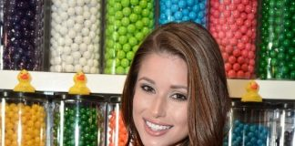 Nia Sanchez with Rainbow of Sugar Couture Pop