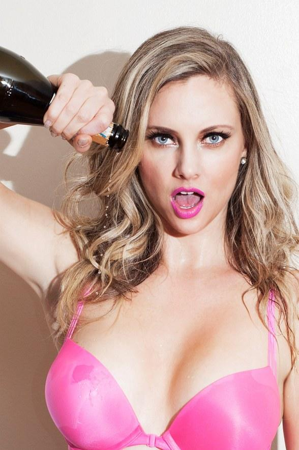 Internet Superstar Nicole Arbour to Host Biggest Champagne Shower at GO Pool at Flamingo Las Vegas Aug. 27