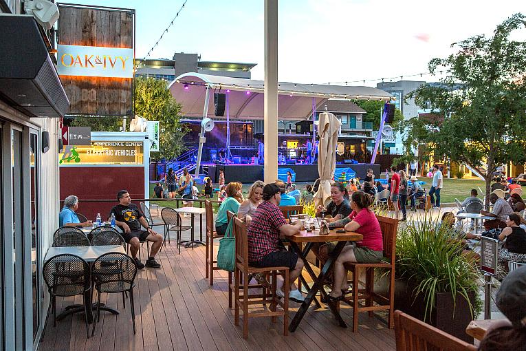 Fremont Street Favorites Gold Spike, Corduroy, The Smashed Pig and Oak & Ivy Reopen in Las Vegas