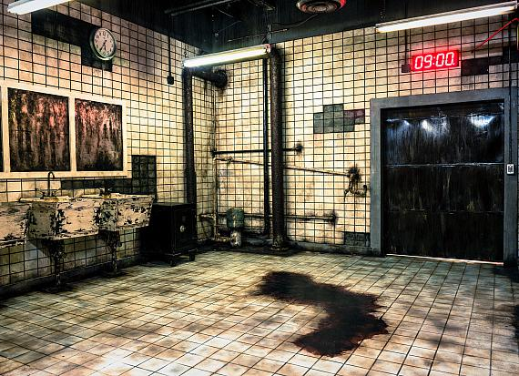 """The iconic SAW bathroom at the """"Official SAW Escape Experience"""" in Las Vegas"""