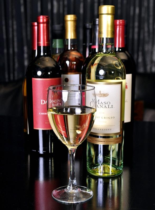 PBR Rock Bar & Grill Invites Wine Lovers to Get Uncorked for National Wine Day