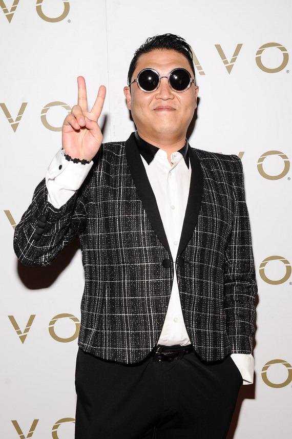 PSY on red carpet at LAVO Nightclub