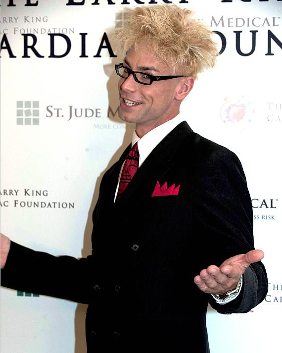 MURRAY 'Celebrity Magician' to Judge