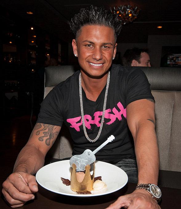 Pauly D at 35 Steaks + Martinis