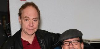 "Penn & Teller Kick Off ""13 Bloody Days of Christmas"" at United Blood Services"