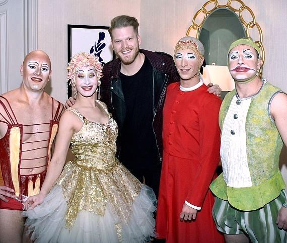 Pentatonix vocalist Scott Hoying poses with O artists