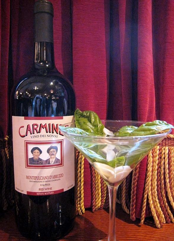 """Celebrate """"National Garlic Day"""" at Carmine's in The Forum Shops at Caesars"""