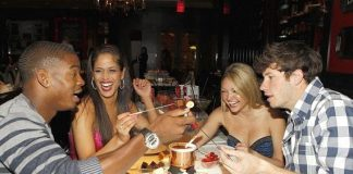 """""""The Real World"""" cast dining on Sugar Factory fondue"""