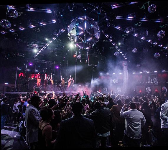 Rev Run and DJ Ruckus Make an Unforgettable Drai's Nightclub Debut