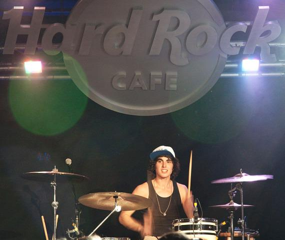 Ricky Ficarelli performing LIVE in Las Vegas for DigiTour 2012