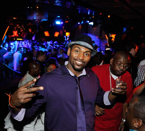 Ron Artest with Birthday Cake at LAVO