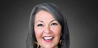 """""""Lipshtick – The Perfect Shade Of Stand-Up"""" Announces Addition of Roseanne Barr to its World-Class Comedy Lineup"""