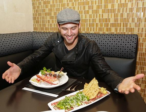 """Pretty Little Liars"" actor Ryan Guzman dines at N9NE Steakhouse at The Palms in Las Vegas"