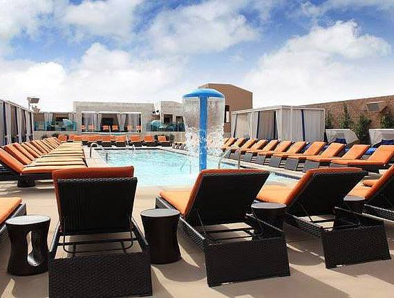 Celebrate Father's Day at Sapphire Pool & Dayclub