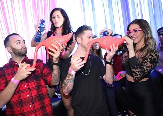 Scheana Marie helps friends prepare for flabongo race at Ghostbar