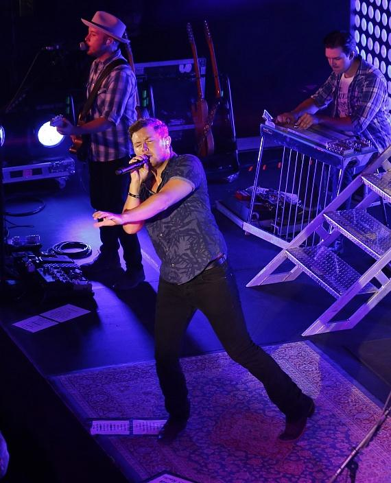 Scotty McCreery Performs Live at Topgolf Las Vegas