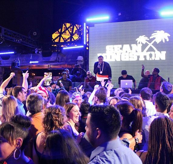 Sean Kingston performing to the crowd at Chateau