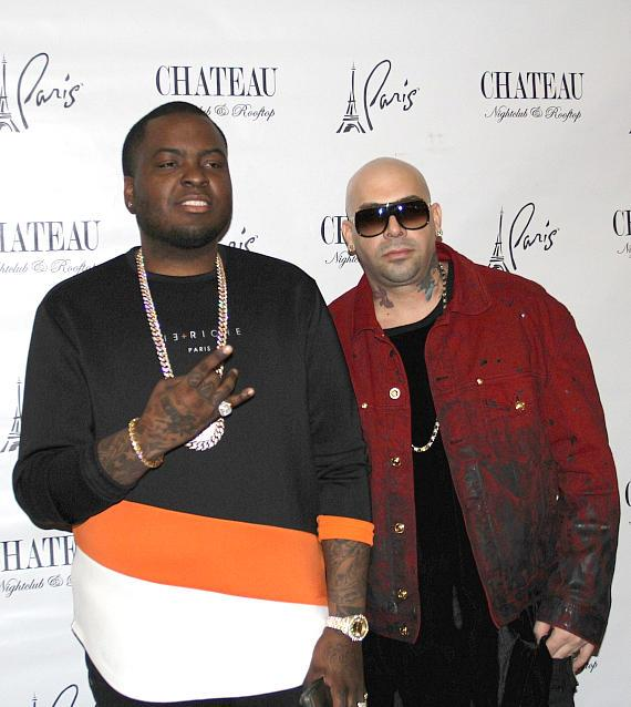 an Kingston with Mally Mall on the red carpet at Chateau