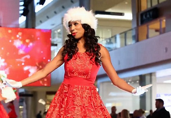 Fashion Show Las Vegas Offers Sneak Peek of Holiday Show and Debuts All-New Santa Experience