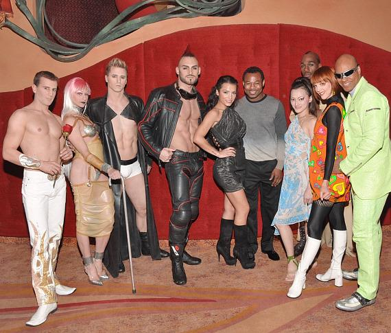 Sugar Shane Mosley with Zumanity cast members