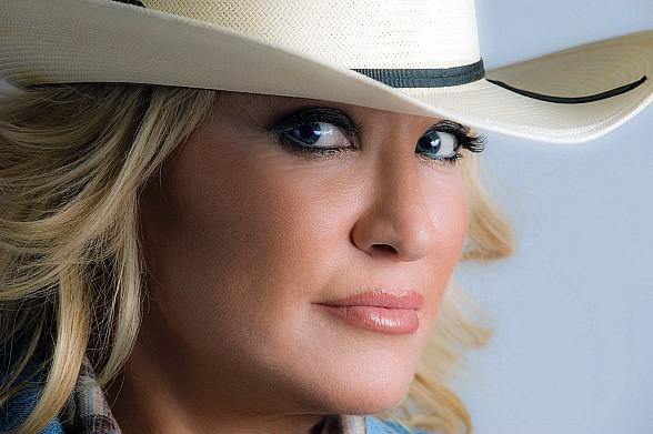 Country Music Legends Set to Take the Stage at Golden Nugget Las Vegas Dec. 6-14