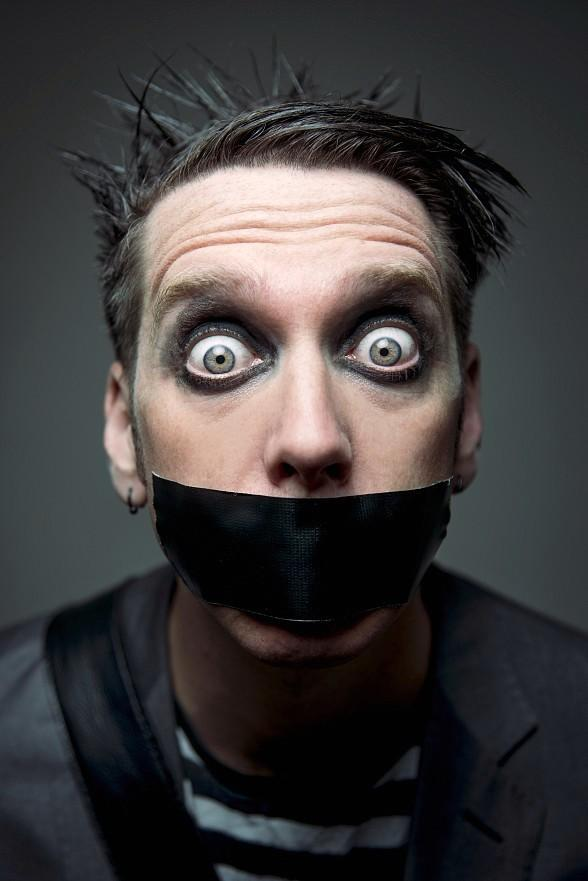 "Mike Hammer and Brian Shapiro of ""The Vegas Take"" on CBS Radio welcome Comedian Tape Face, Columnist Robin Leach and Sports Handicapper Tom Barton on Saturday, March 18"