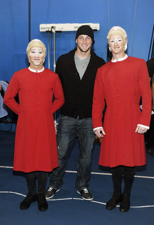 """Tim Tebow with Comets at """"O"""" by Cirque du Soleil"""