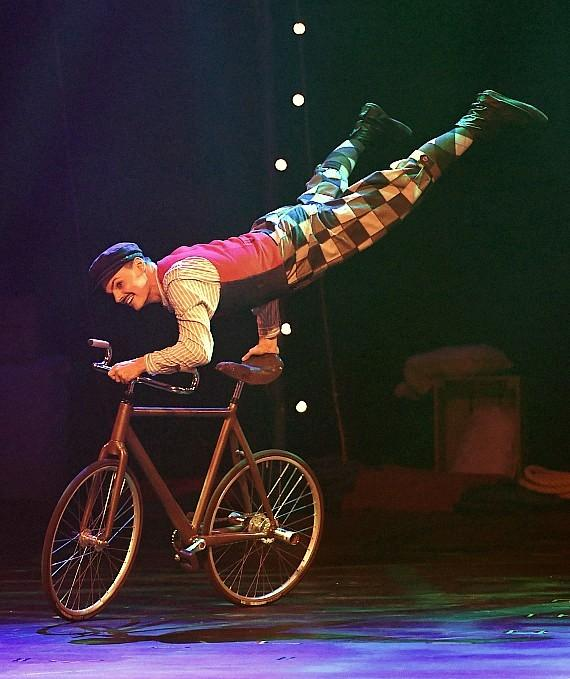 The Cycling Cyclone Florian Blummel Performs in CIRCUS 1903 at Paris Las Vegas